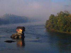 плаващата къща
